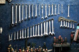Werkzeug für eine 2-Saeulen-Hebebuehne